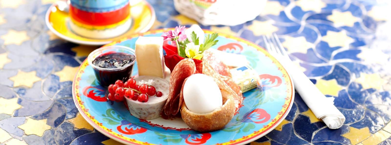 Frühstück im Backspielhaus